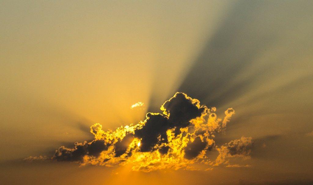 Slunce za mraky